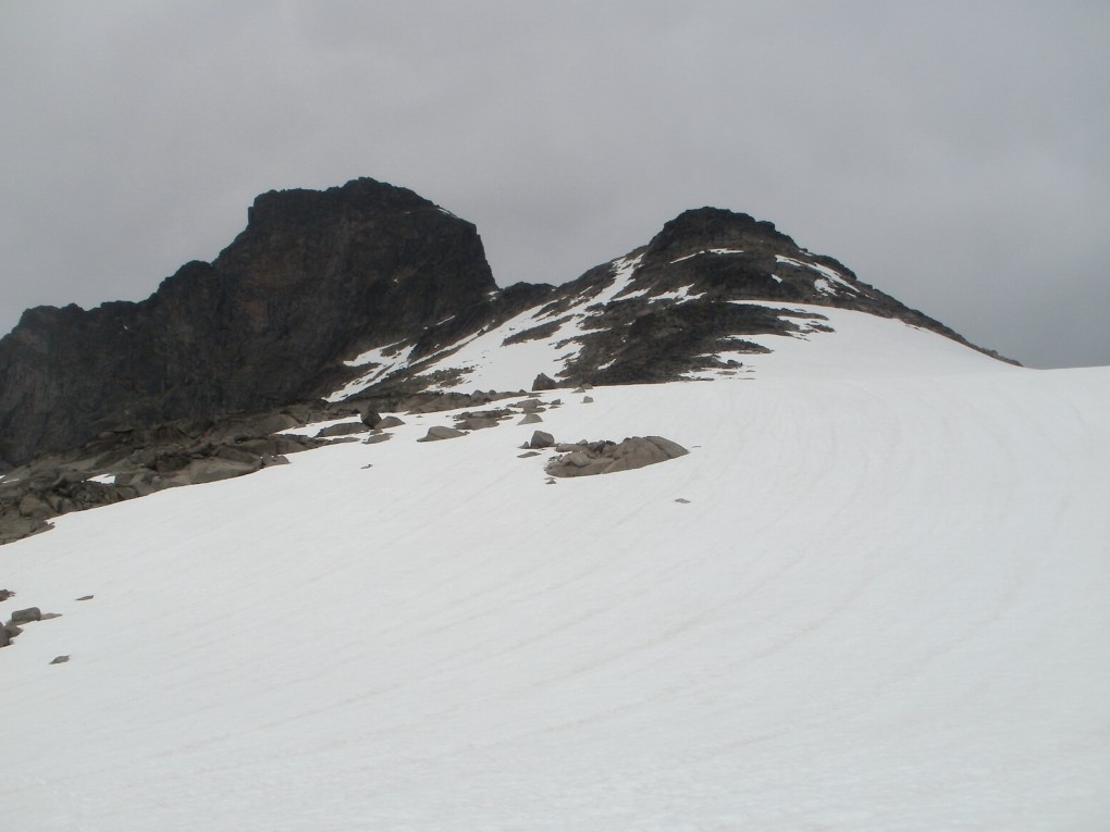 Nearing the summit of Austre Leirungstinden, before the storm hit